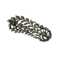 Heavy silver and gold antique Vintage brooch fully set with 26 rose cut diamonds