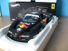 Hot Wheels Elite - Scale 1/18 - Ferrari Enzo ''Red Bull'' Test Monza 2003