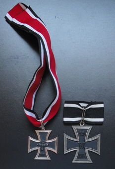 Knight's Cross of the Iron Cross of 1957 (marked 800 L/12) from WW2. Reproduction (high quality) of the Grand Cross of the Iron Cross WW1