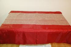 Silver-glittering table runner with glass rods 46x150cm
