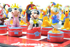Disney, Walt - Chess Set United Labels - Mickey Mouse (1990's)