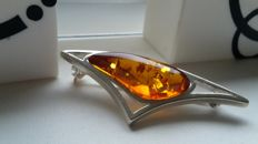 Elegant brooche - colour honey - Natural Baltic amber - Silver 925 - no pressed - UV test