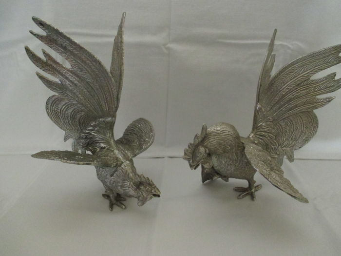 Silver plated Table piece consisting of two large Fighting cocks