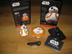 Star Wars, Sphero BB-8 droid, remote controled by smart phone