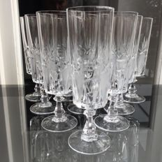 Lot consisting of 10 finely crafted crystal champagne flutes