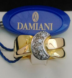 Damiani ring - 18 kt (750/1000) yellow and white gold - Diamonds weighing 0.14 ct, colour H, clarity VVS - Size 17 - Guarantee certificate