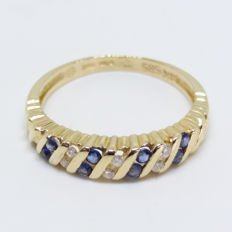 Vintage Natural Velvet Blue Sapphire and Diamond Channel set in pure 14K/14ct Yellow Gold Ring