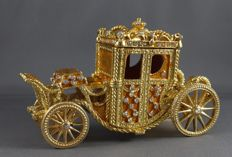 Golden carriage Royals - Enamelled and gilded