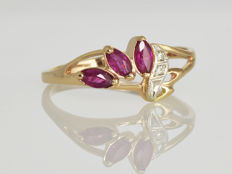 Gold ring (585/000) with rubies and diamonds Size 61 - ø 19.5 mm