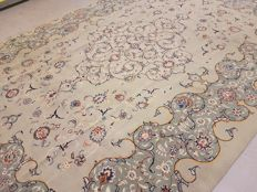 20th Century Room Size Pistachio Green Tones Hand Woven Persian Kashan 440x330 m