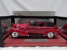 Signature Models - Scale 1/18 - Cadillac 1938 V16 Fleetwood - Colour Red