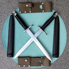 Set of 2 beautiful Swiss SIG M57 bayonets of both manufacturers: Victorinox and Wenger & Co.