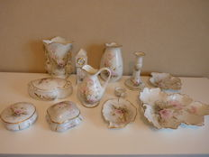 Limoges porcelain-collection - 12 pieces