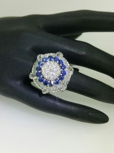 White gold ring with diamonds of 2.30 ct and sapphires of 2 ct