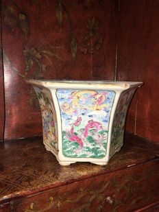 19th century Chinese porcelain Porcelain planter