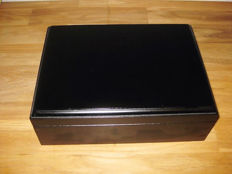 Humidor, wood, black - 24 x 18 x 8 cm - aroma cap with brass hinges