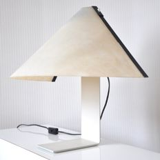 Vico Magistretti for Artemide - Metal table lamp with a synthetic fabric (textile) lampshade - model Porsenna