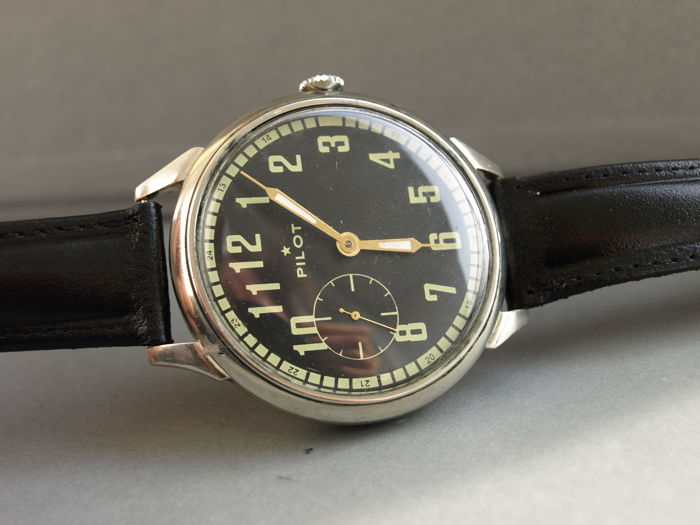 08. Molnija pilot men's military style wristwatch 1950-55