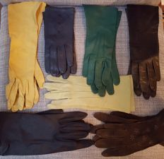7 pairs of vintage, leather and suede women's gloves
