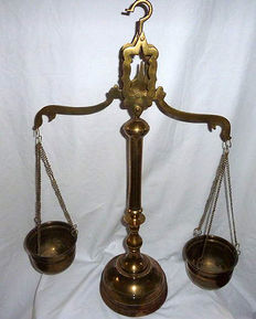 Large Victorian brass weighing scale