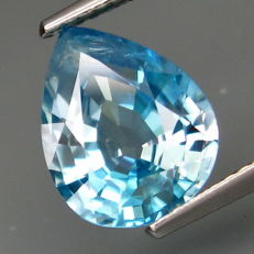Light blue Zircon (V. S.) of 4.10 ct