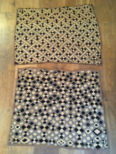 Lot of 2 large ancient traditional textiles - KUBA / SHOOWA - D.R of Congo