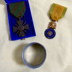 Set of WW1 French medals and a napkin ring