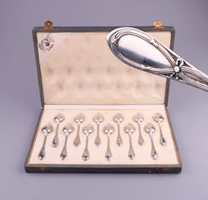 WOLFERS BRUSSELS, Set of 12 spoons in original box, Bow patterns, circa 1900,