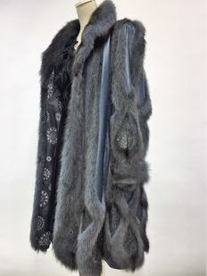 Beautiful vintage women's fur coat