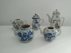 Lot of 5 porcelain teapots China 18th century, 19th century and meta 20th century