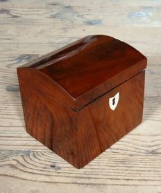 A mahogany tea box - The Netherlands - first half of the 19th century
