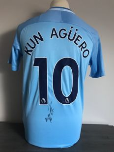 Kun Agüero signed Manchester City home 17/18 shirt with photos of the signing time and COA