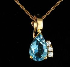 3.66 ct pendant with gold chain and aquamarine and diamond made of 18 kt yellow gold - no reserve -