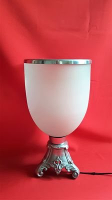 Large table lamp with glass chalice