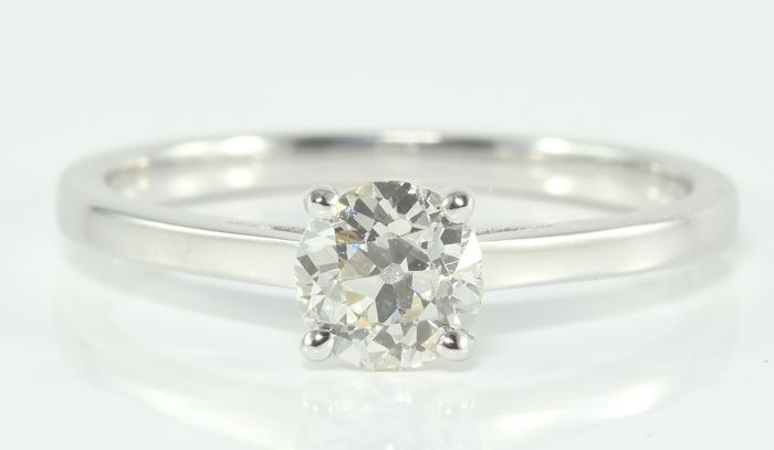 0.63 ct diamond solitaire ring in 18 kt gold ** no reserve **