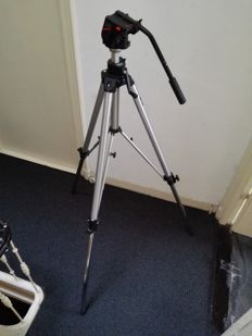 Manfrotto professional tripod (type 117) including video head (type 501)