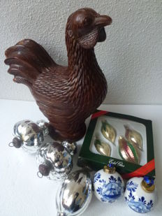Antique table decor piece - Turkey & various old Christmas balls