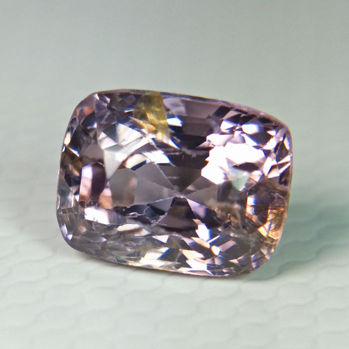 Purple pink Spinel - 1.27 ct