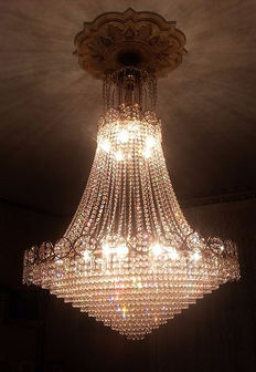 Empire style chandelier in pure gold electroplated brass, and Swarovski crystal pendants - Italy, 1980s