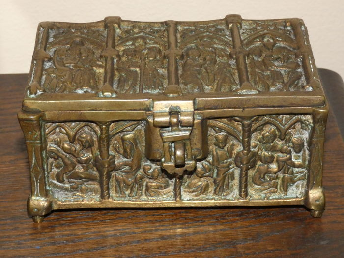 Bronze Apostle Box - France
