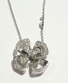 Salvini - Elegant necklace with flower - VIOLA by SALVINI, MADE IN ITALY - 18 kt white gold with brilliant cut diamonds for 0.25 ct, diameter: 19.5 mm, chain length: 42 cm