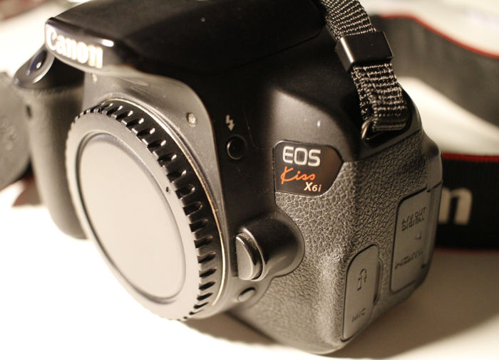 canon eos kiss x6i body canon eos 650d battery charger 3 rh auction catawiki com Photography Canon EOS 5D Canon EOS Rebel T3i