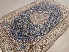 Masterpiece Fine Silkinlaid Foral Design Hand-woven Persian Nain Rug 300x200cm Around 1970