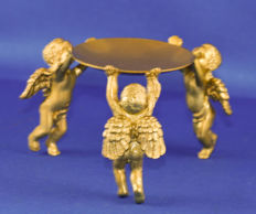Dish carried by 3 angels - gold-plated