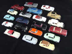 Divers - Scale 1/43 - Lot with 20 models: Lincoln, Mercedes-Benz, Citroen, Simca, Triumph, Opel, VW, Austin Healy, MG & Delahaye
