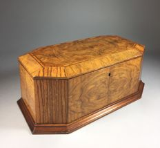 Octagonal walnut covered box with intarsia - France - early 20th century