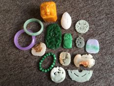A collection of mineral stones - 1105 gm (15)