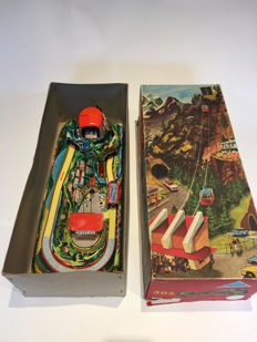"Technofix, Western Germany - Length: 50-80 cm - Lot of 2 tin toys: GE-303 ""Cable Car"" and GE-318 ""Sport Trainer"" made of tin, 60s"
