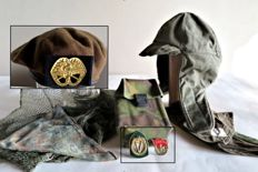 8-lot Royal Army: Beret with insignia KMC, 2 honorary medals, Balaclava, bivouac bag, large camouflage net, 2 mufflers