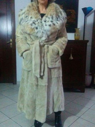 Honey-coloured mink fur coat